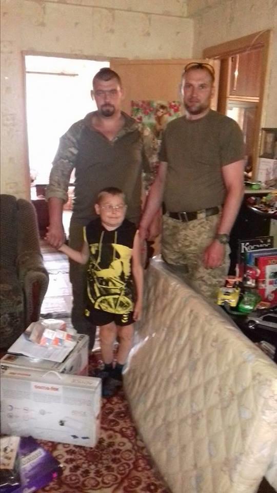 Киевские волонтеры передали дорогостоящие лекарства для авдеевцев(ФОТО), фото-4