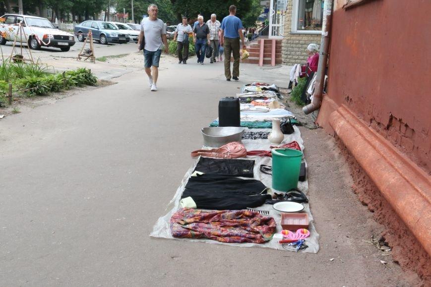 Торговцев с социального рынка на Ремесленной выгнали водители, фото-3
