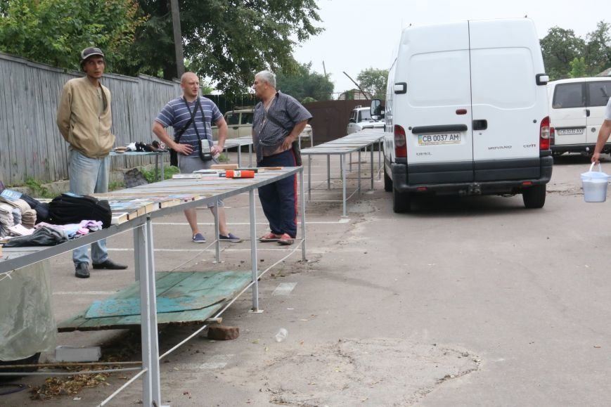 Торговцев с социального рынка на Ремесленной выгнали водители, фото-2
