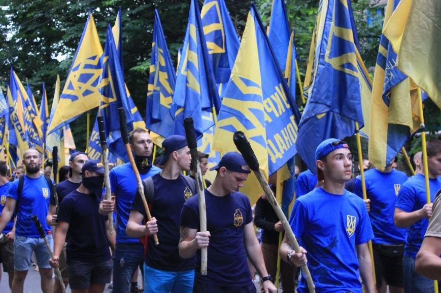 Гражданский корпус «Азов» провел в Бахмуте факельное шествие (ФОТОРЕПОРТАЖ), фото-3