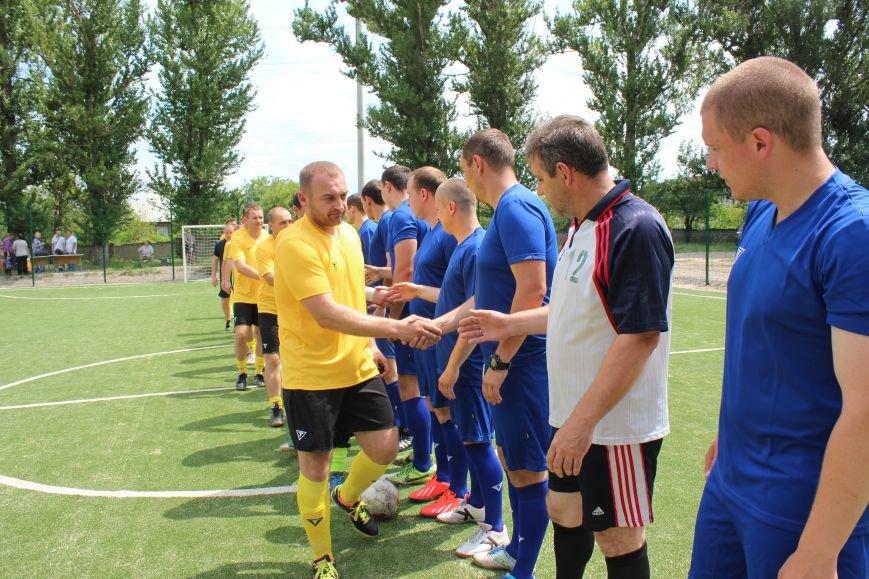 Команда Бахмутского отдела полиции в День Конституции Украины победила в турнире по мини-футболу, фото-1