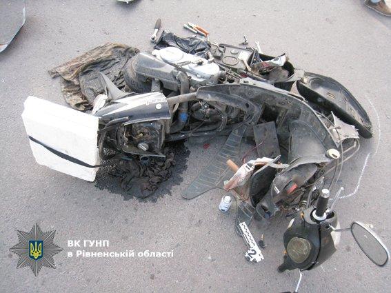 У Дубні «Таврія» зіткнулася із скутером (ФОТО), фото-1