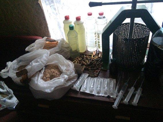 На Херсонщине работники отдела наркопреступности устранили  нарколабораторию (фото), фото-2