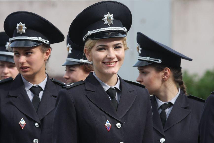 В Днепре офицерами полиции стали почти 200 выпускников государственного университета внутренних дел (ФОТО), фото-2