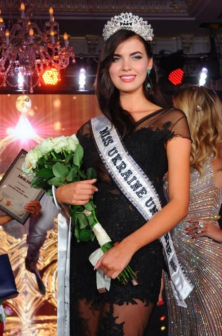 """Корону """"Міс Україна Всесвіт"""" отримала 18-річна спортсменка (ФОТО), фото-1"""