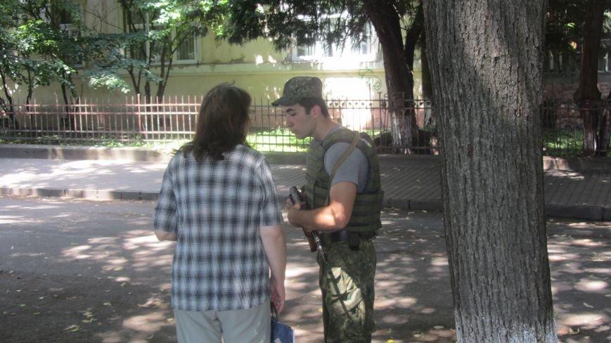 """В Ужгороді на Поштовій - вибухи, """"терористи"""" не приймають умови """"переговорників"""": фоторепортаж, фото-8"""