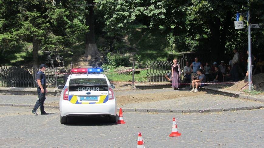 """В Ужгороді на Поштовій - вибухи, """"терористи"""" не приймають умови """"переговорників"""": фоторепортаж, фото-7"""