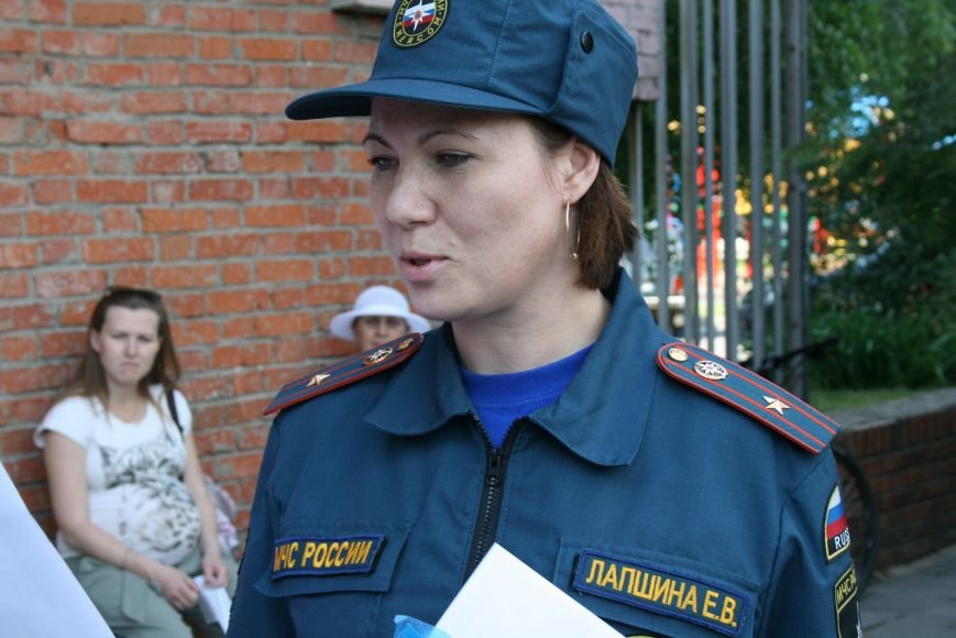 МЧС эвакуировало людей в Троицком отделе социальной защиты, фото-4