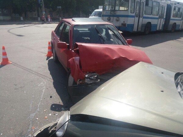 В Сумах на перекрестке Харьковской и Линейной произошло ДТП (ФОТО), фото-4