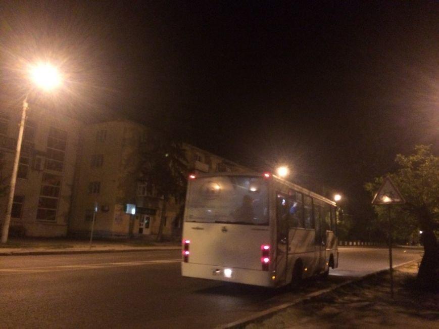 Перевірено на собі: чи варто на зупинці у Львові чекати нічний автобус, фото-7
