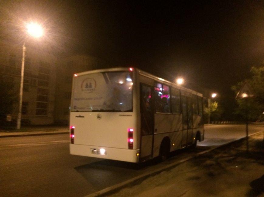 Перевірено на собі: чи варто на зупинці у Львові чекати нічний автобус, фото-6