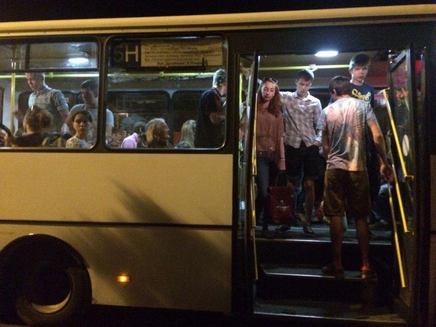 Перевірено на собі: чи варто на зупинці у Львові чекати нічний автобус, фото-9