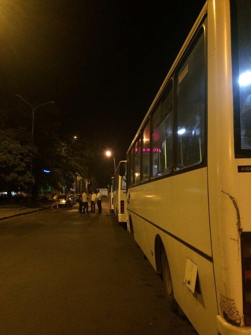 Перевірено на собі: чи варто на зупинці у Львові чекати нічний автобус, фото-3