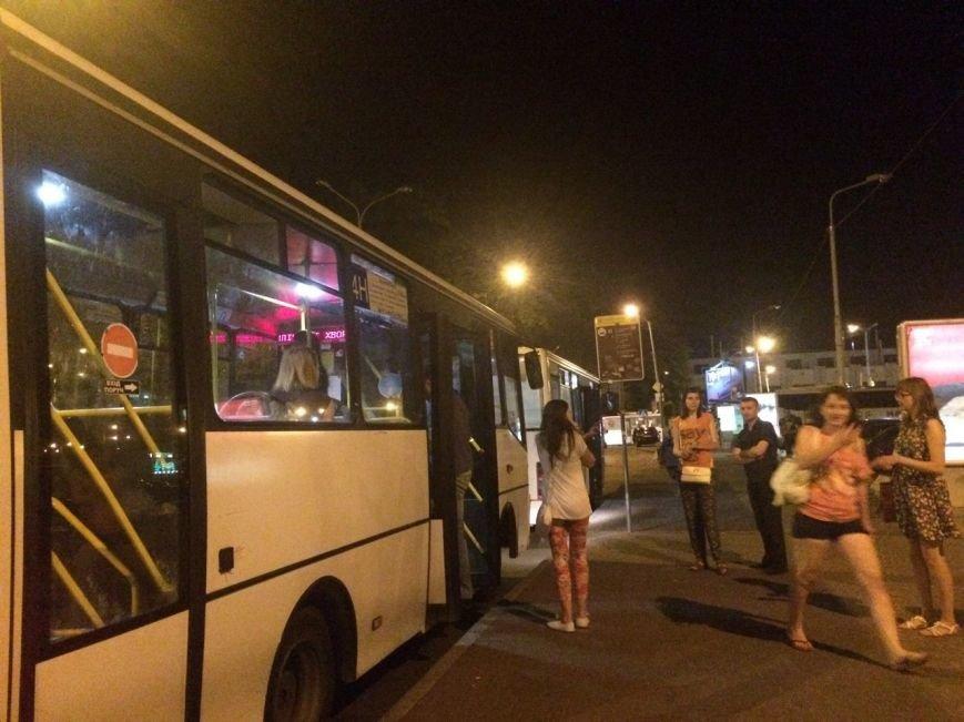 Перевірено на собі: чи варто на зупинці у Львові чекати нічний автобус, фото-2