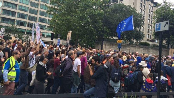160702112155_anti_brexit_demo_640x360_bbc_nocredit