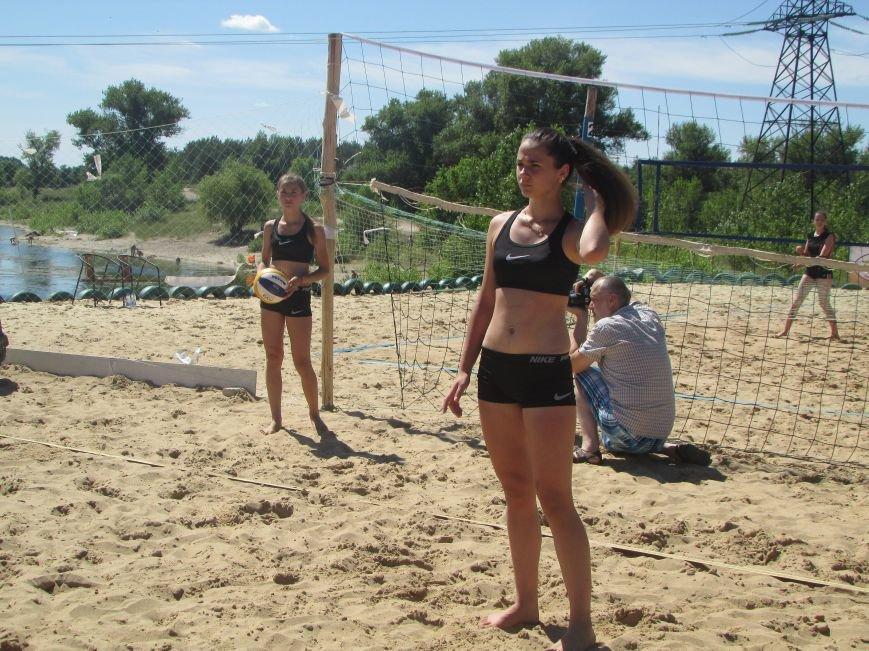 В Северодонецке проходит турнир по пляжному волейболу среди женщин (ФОТО), фото-6