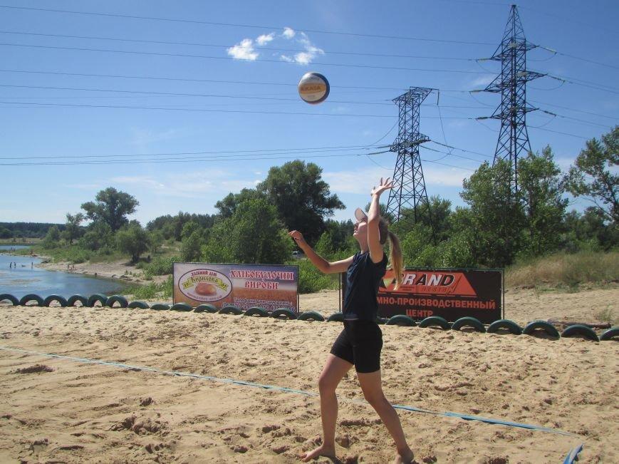 В Северодонецке проходит турнир по пляжному волейболу среди женщин (ФОТО), фото-4