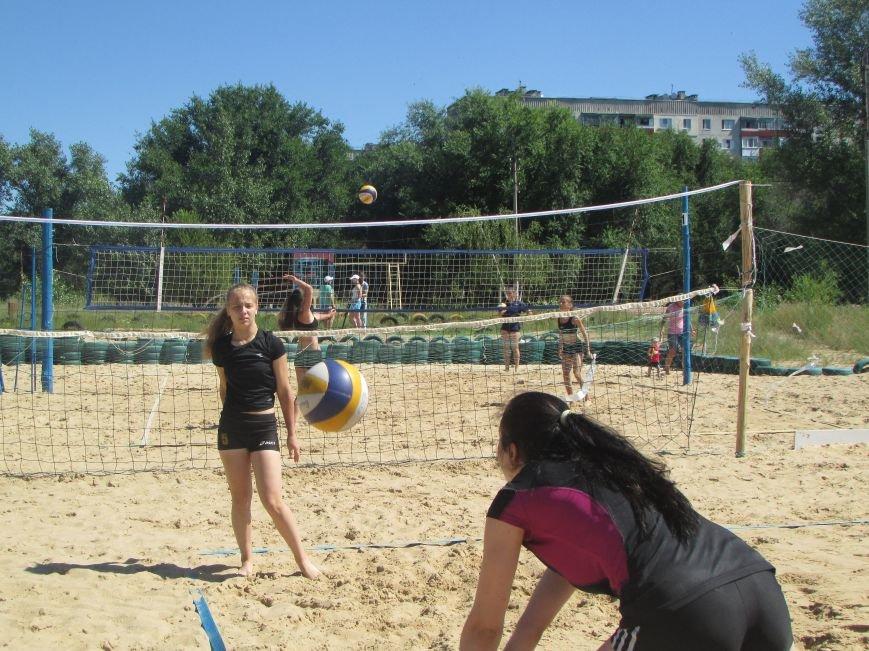 В Северодонецке проходит турнир по пляжному волейболу среди женщин (ФОТО), фото-8