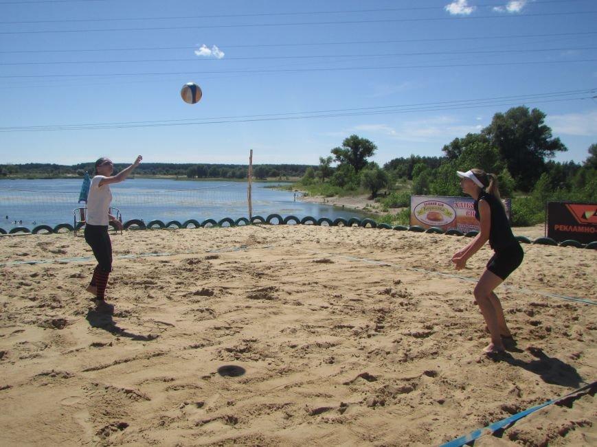 В Северодонецке проходит турнир по пляжному волейболу среди женщин (ФОТО), фото-3