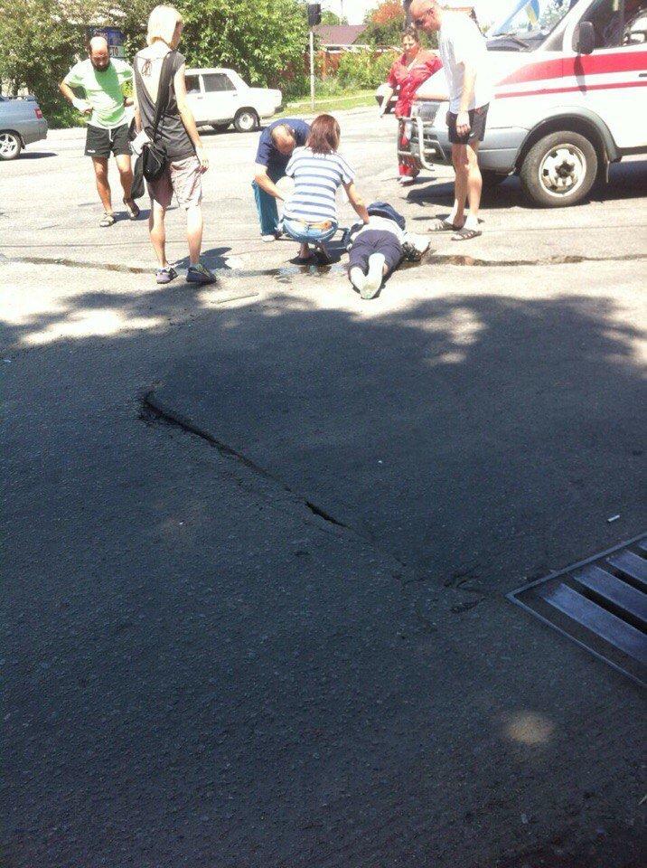 В Запорожье мотоцикл врезался в легковушку (ФОТОФАКТ), фото-2