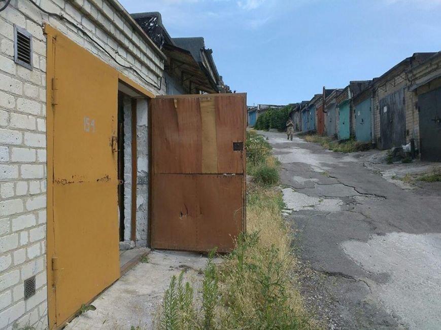 Целый арсенал боеприпасов обнаружен в гараже Бердянска, фото-1