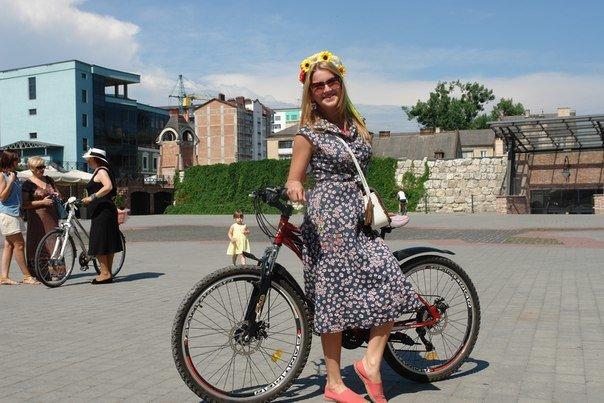 У Франківську відбувся жіночий велопарад у стилі Коко Шанель (ФОТОРЕПОРТАЖ), фото-25