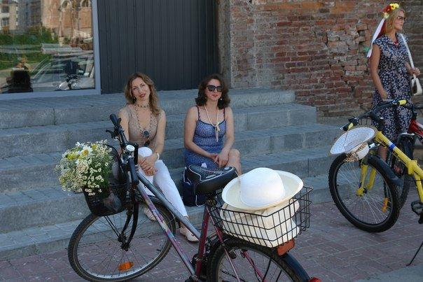 У Франківську відбувся жіночий велопарад у стилі Коко Шанель (ФОТОРЕПОРТАЖ), фото-19