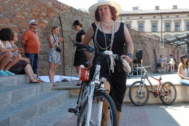 У Франківську відбувся жіночий велопарад у стилі Коко Шанель (ФОТОРЕПОРТАЖ), фото-22
