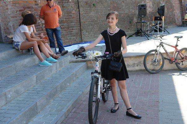 У Франківську відбувся жіночий велопарад у стилі Коко Шанель (ФОТОРЕПОРТАЖ), фото-3