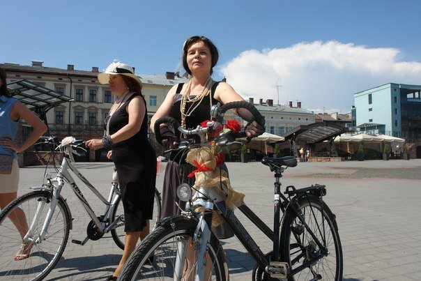 У Франківську відбувся жіночий велопарад у стилі Коко Шанель (ФОТОРЕПОРТАЖ), фото-9