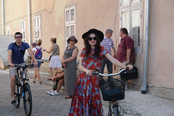 У Франківську відбувся жіночий велопарад у стилі Коко Шанель (ФОТОРЕПОРТАЖ), фото-16