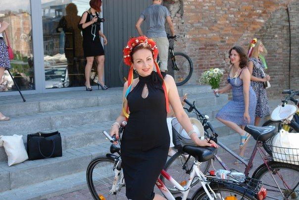 У Франківську відбувся жіночий велопарад у стилі Коко Шанель (ФОТОРЕПОРТАЖ), фото-13