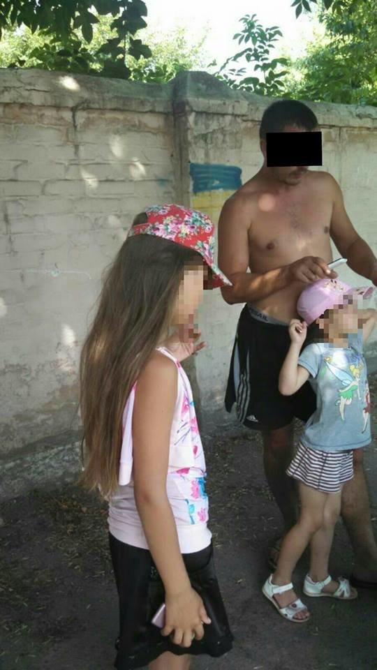 Нетрезвый водитель перевозил на мопеде двух маленьких детей (ФОТО), фото-4
