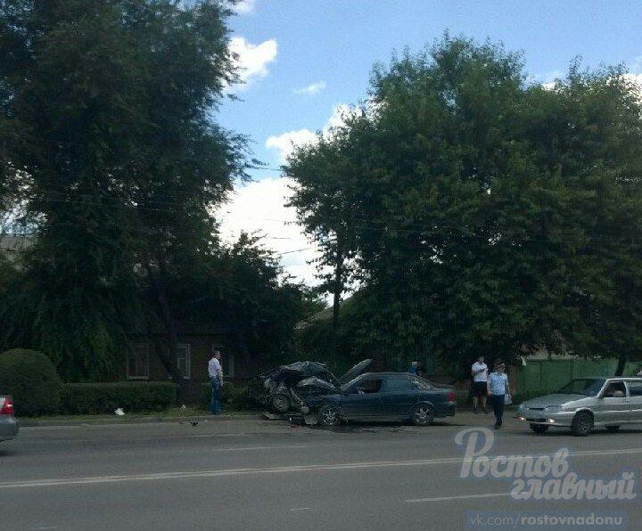 В сети появились фото серьезной аварии на проспекте Стачки в Ростове, фото-3