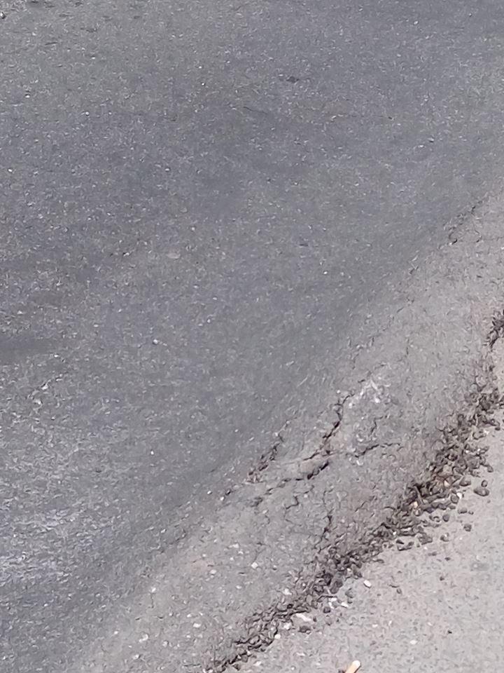 """Свіжі """"гори"""" і """"долини"""": франківці висміюють ремонт доріг у місті (ФОТОФАКТ), фото-4"""