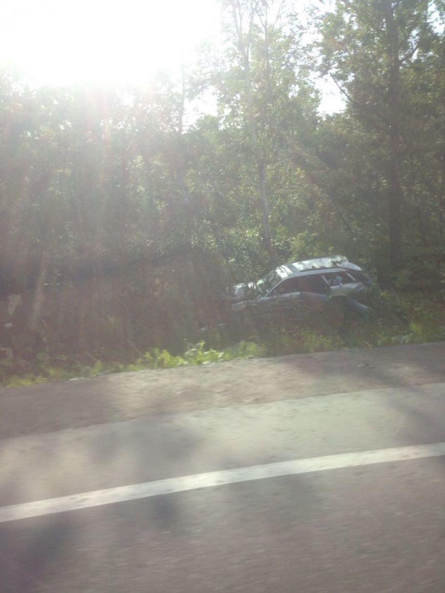 Женщина не справилась с управлением автомобилем на Сахалине, фото-2