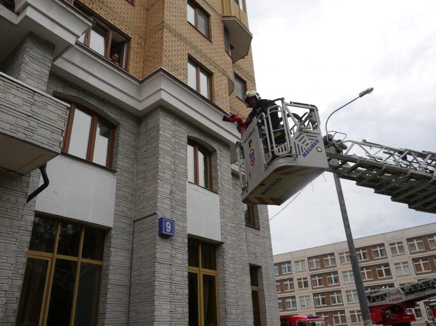 В Новой Москве случился пожар на 24 этаже дома, фото-3