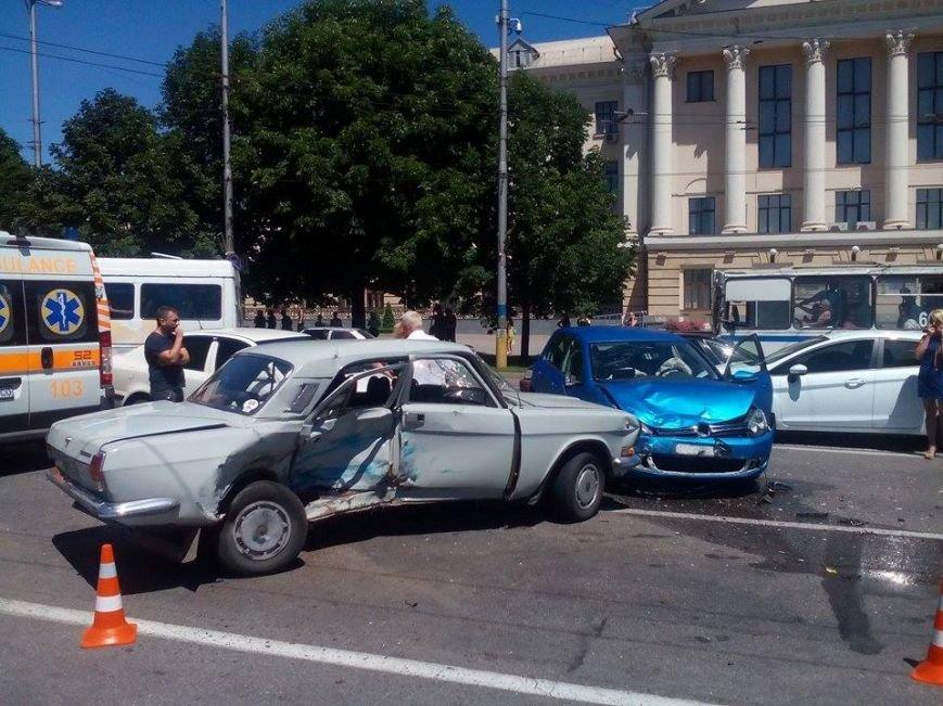 В центре Запорожья - серьезная авария: образовалась большая пробка (ФОТО), фото-5