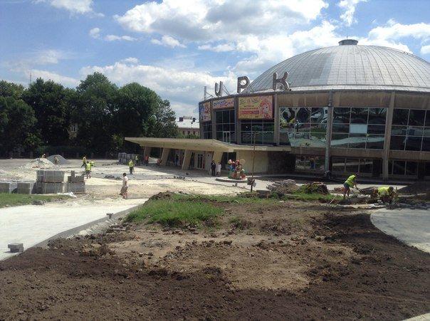 Як у Львові триває реконструкція території поблизу державного цирку (ФОТО), фото-5