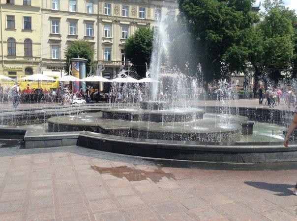 Коли почнуть монтувати новий фонтан навпроти Оперного театру залежить від підрядника, - Юліан Чаплінський (ФОТО), фото-1