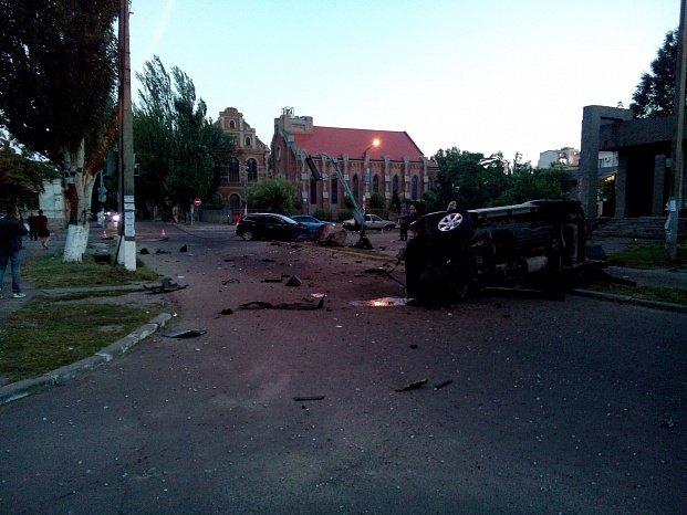 В Бердянске столкнулись два внедорожника, в одном из них ехали полицейские (ФОТО), фото-1