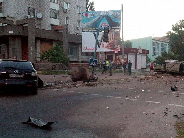 В Бердянске столкнулись два внедорожника, в одном из них ехали полицейские (ФОТО), фото-4