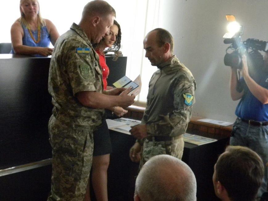 Шестеро запорожских АТОшников получили награды от Президента, фото-1