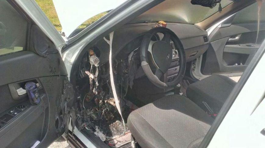 В Кировограде патрульные и спасатели предотвратили уничтожение автомобиля. ФОТО, фото-3