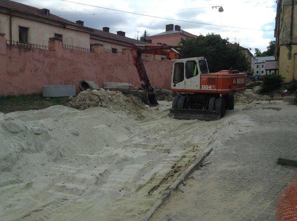 Від сьогодні у Львові закрили на ремонт вулицю Медову (ФОТО), фото-4