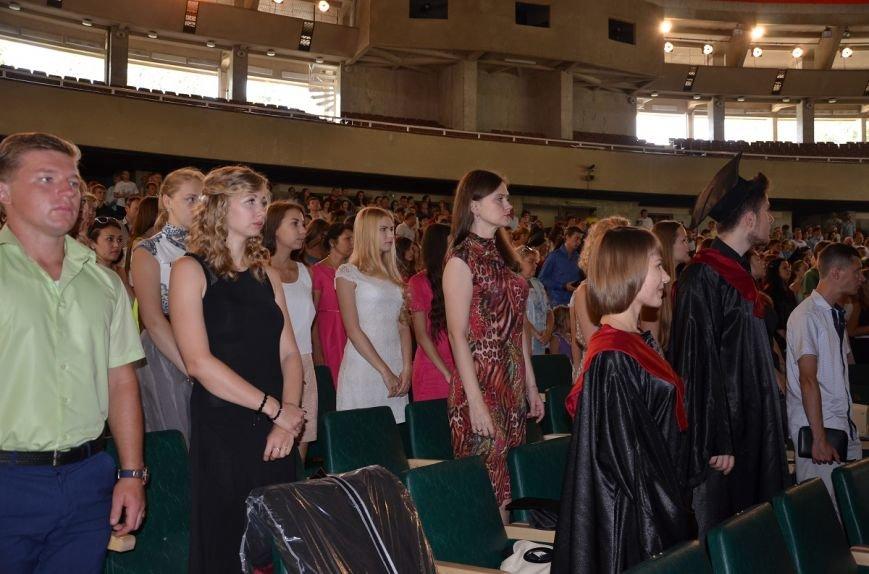 Выпускники Гуманитарно-педагогической академии Ялты получили дипломы (1)