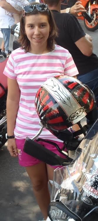 16-річну ужгородку Вікторію Ерделі збили машиною і відібрали велосипед, фото-1