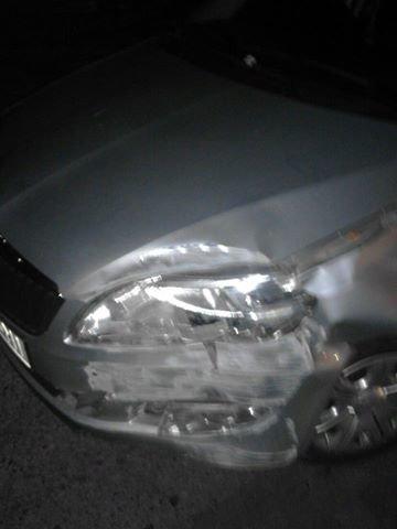 У поліції розшукують водія, який в'їхав в електричний стовп і втік з місця аварії (ФОТО), фото-1