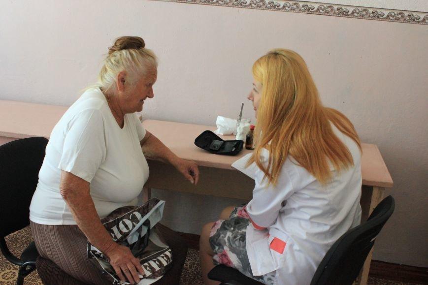 В Бахмуте продолжают свою работу мобильные амбулатории, фото-3
