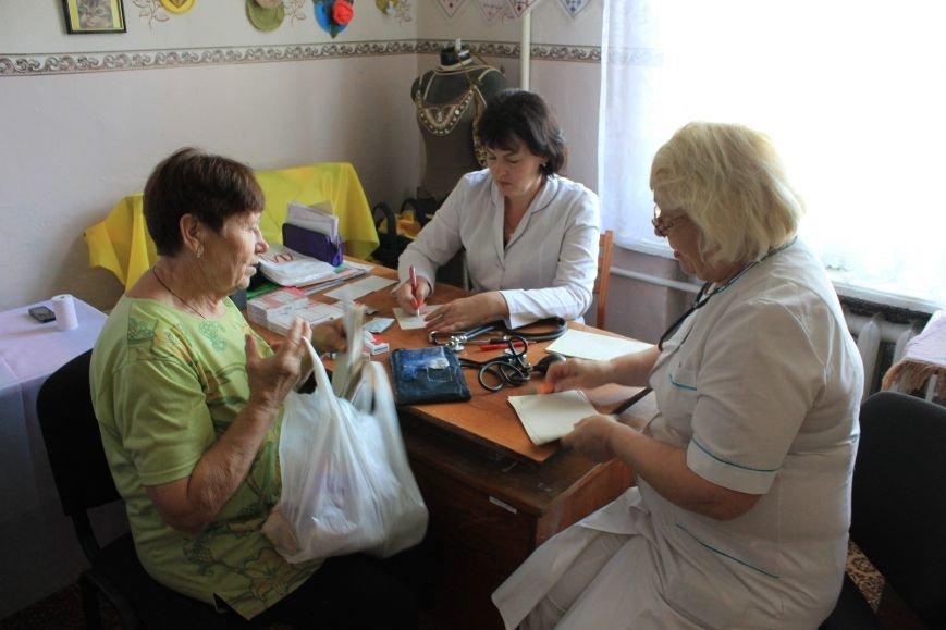 В Бахмуте продолжают свою работу мобильные амбулатории, фото-8
